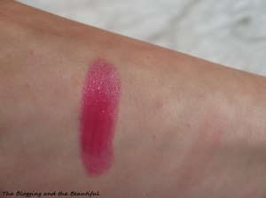 oriflame colour drop glossy berry lipstick swatch