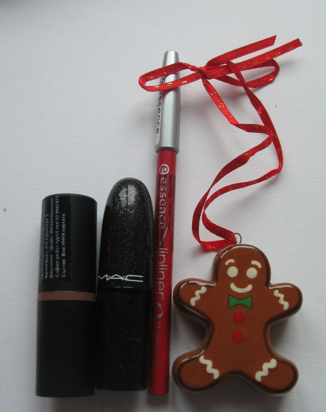 essence mac lipstick lipliner red christmas december