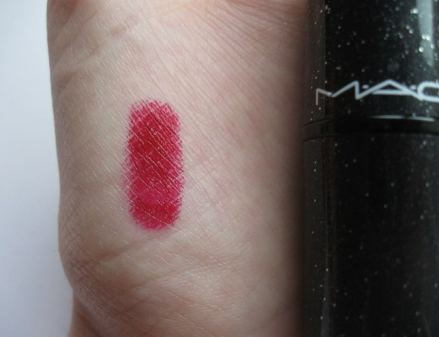 mac salon rouge lipstick swatch