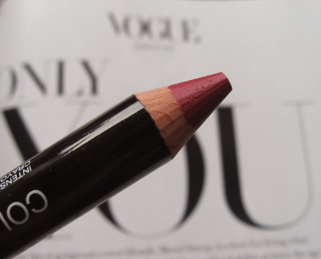 maybelline color drama keep it classy lipstick